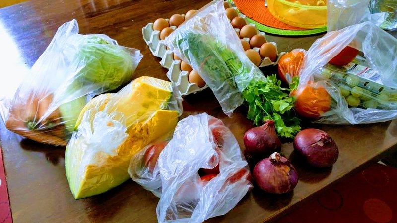 Levensmiddelen frm winkels / supermarkten in de buurt