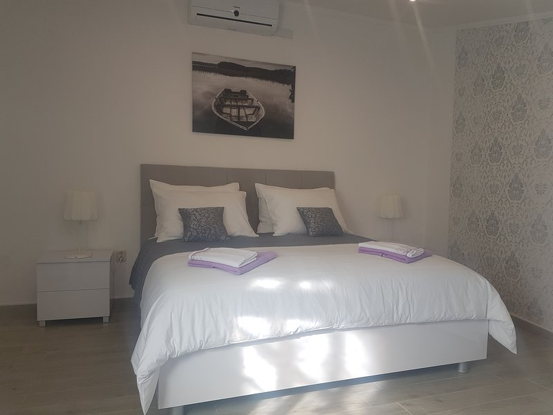 Private room Niko, location de vacances à Lozovac