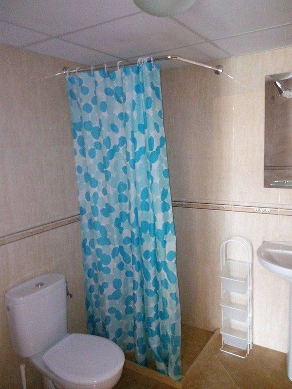 Deux salles de bains identiques