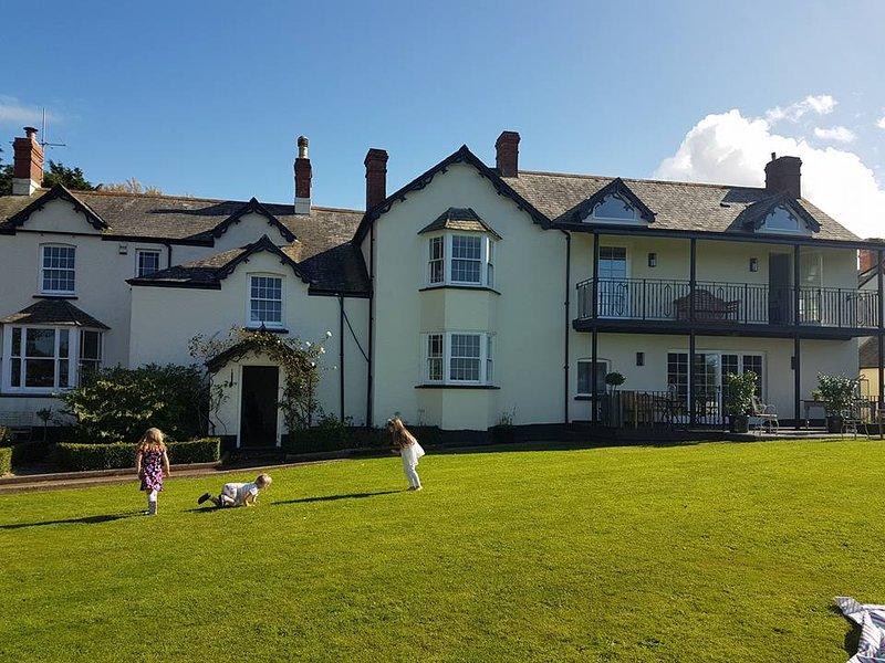 North Devon Country House - LAST SUMMER DATE LEFT - 27/28TH AUGUST - 1 WEEK, alquiler vacacional en Bideford