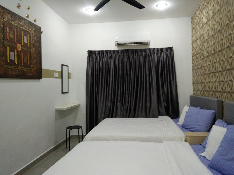 Stay99 House 2 ( For max 14 pax), holiday rental in Melaka