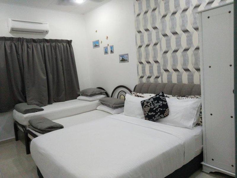 Stay99 house (2 bedrooms), alquiler de vacaciones en Central Melaka District