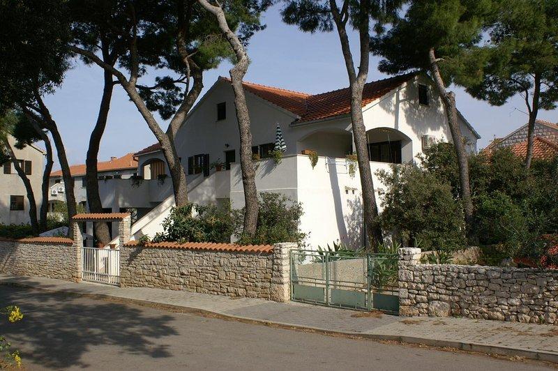 Two bedroom apartment Mirca, Brač (A-2902-b), alquiler de vacaciones en Sumpetar