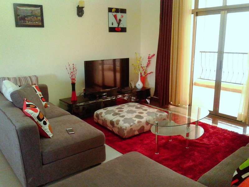 Luxury 3 BR all ensuite with DSQ (fully furnished), casa vacanza a Nairobi Region