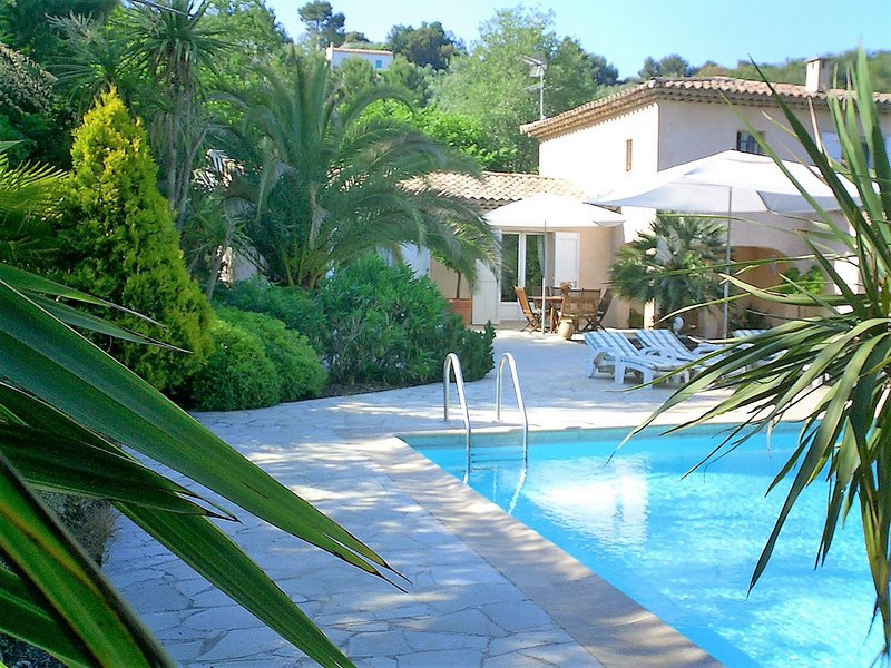 Luxury Family Friendly Villa, Ferienwohnung in Valbonne