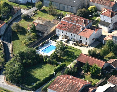 Beautiful property with shared pool, holiday rental in Saint Pierre de Juillers