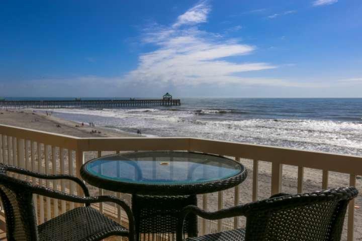 Vous allez adorer les vues sur l'océan et la folie Pier de notre troisième balcon histoire!