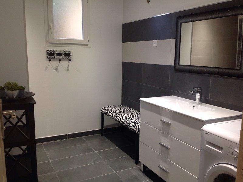Bas de villa neuf de 75 m2, holiday rental in Sarrola-Carcopino