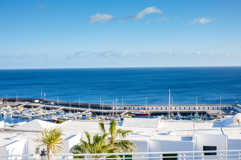 LAS TERRACITAS 43 APARTMENT WITH POOL & SEA VIEWS, holiday rental in Tias