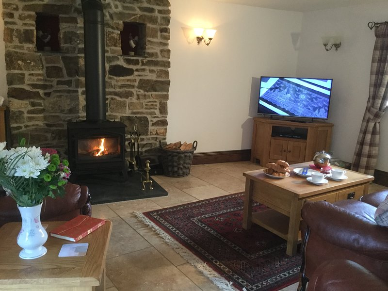 The lounge has a 40' TV, Freeview, DVD player,  iPod dock.