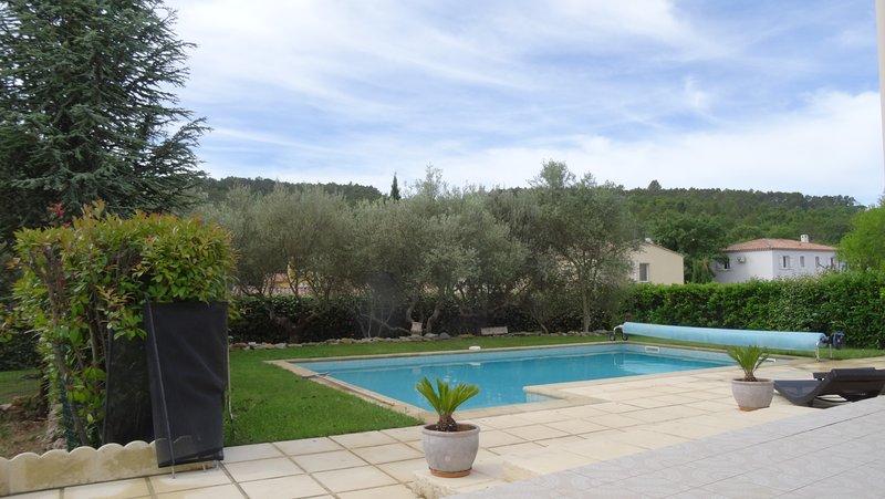 grande villa spacieuce, holiday rental in Cabasse