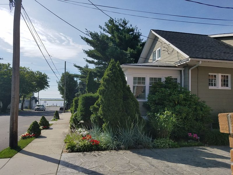 VIEWS OF THE BAY & OCEAN CITY NEW JERSEY, vacation rental in Somers Point