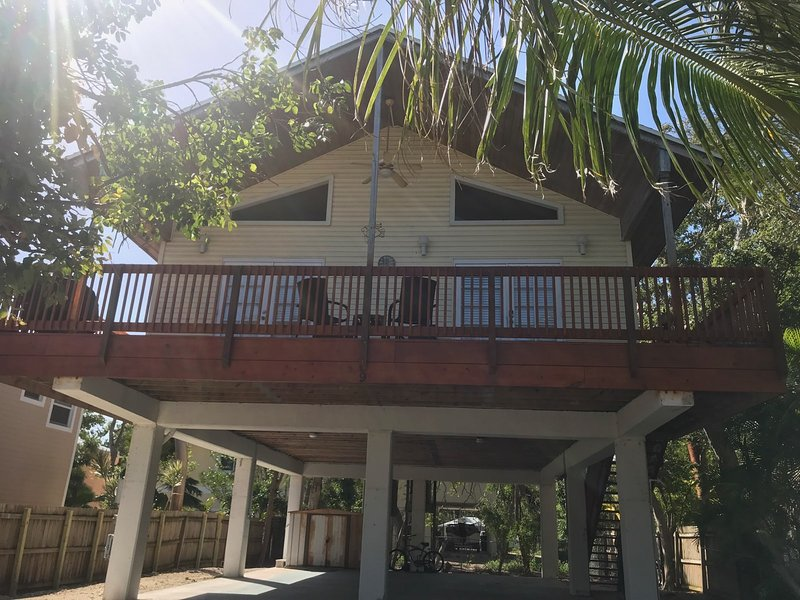Private Home, with Beach Access, Best Value in the Keys, location de vacances à Key Largo