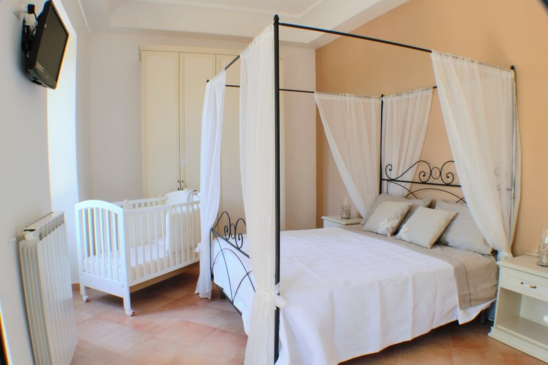 Monttammare casa di charme, è immersa nel verde della costiera amalfitana., vacation rental in Pucara