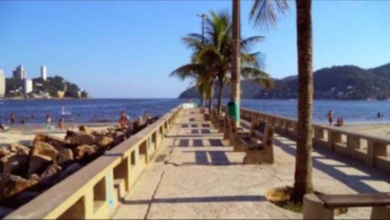 Pe na areia. Lindo apartamento na praia., location de vacances à Sao Vicente