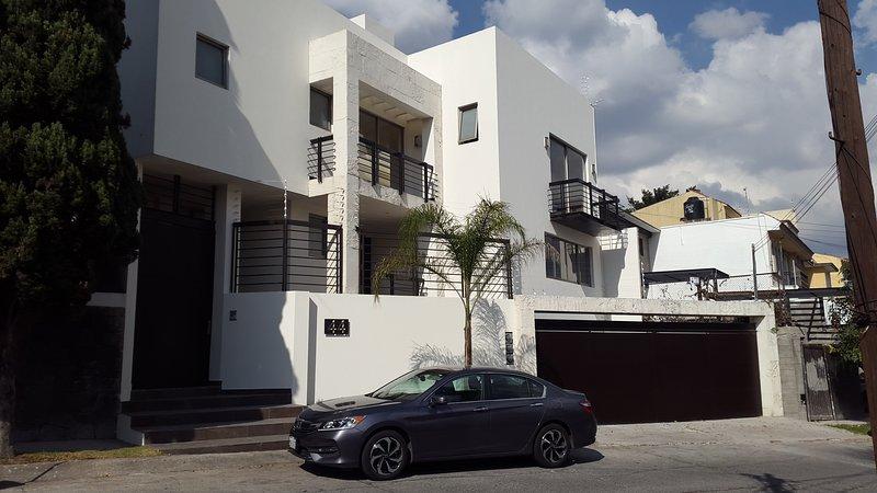 Hermosa Casa en un Barrio Residencial (Entre Polanco y Santa Fe), holiday rental in San Agustin Buenavista