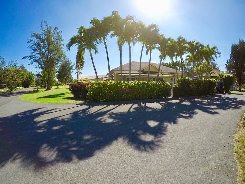 Low rates- SPECIALS available -Private 3 bedroom North Shore country home, holiday rental in Kahuku