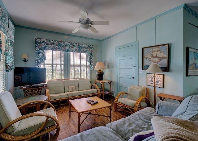Landis Smith sala de estar