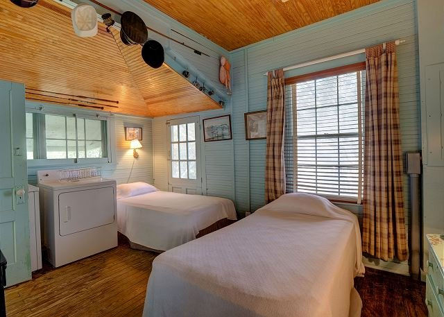 Landis Smith Dormitorio