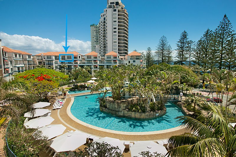Calypso Plaza Resort Unit 417 - Penthouse style apartment Wi-Fi included, vacation rental in Gold Coast