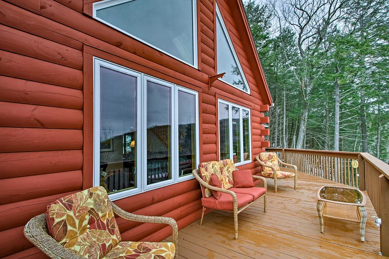 Gilford Family Home - 5 Min to Lake Winnipesaukee!, vacation rental in Gilford