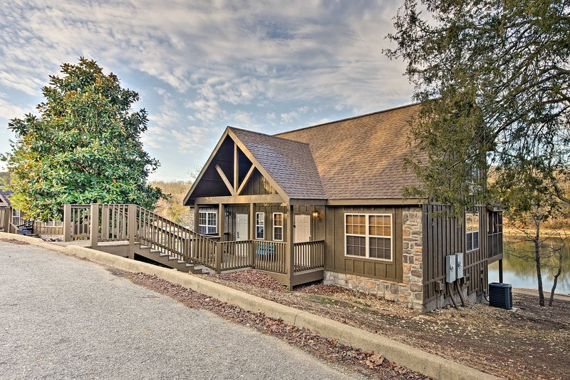 Fall in love with the Midwest from this 1-bed, 1.5-bath Branson West cabin.
