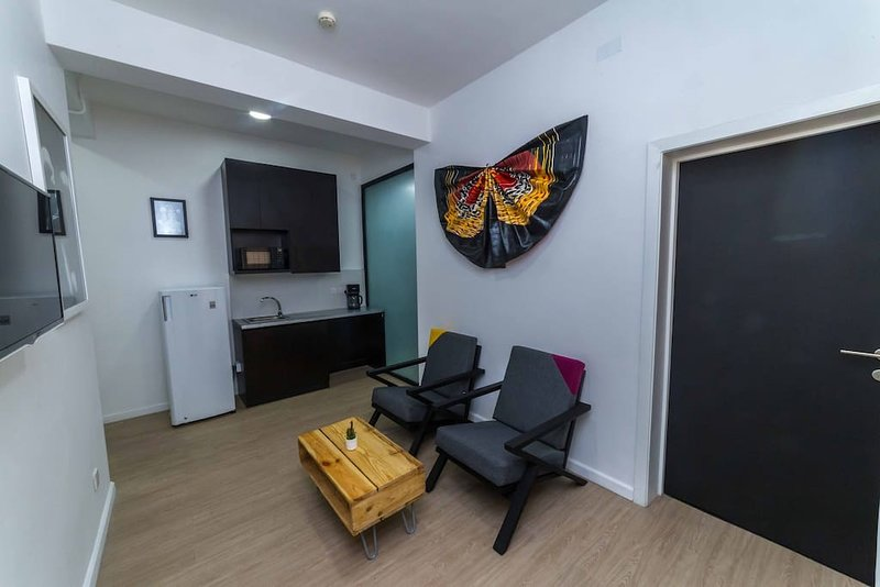 Angels and Muse 2 Bedroom Apartment, Ferienwohnung in Ikoyi