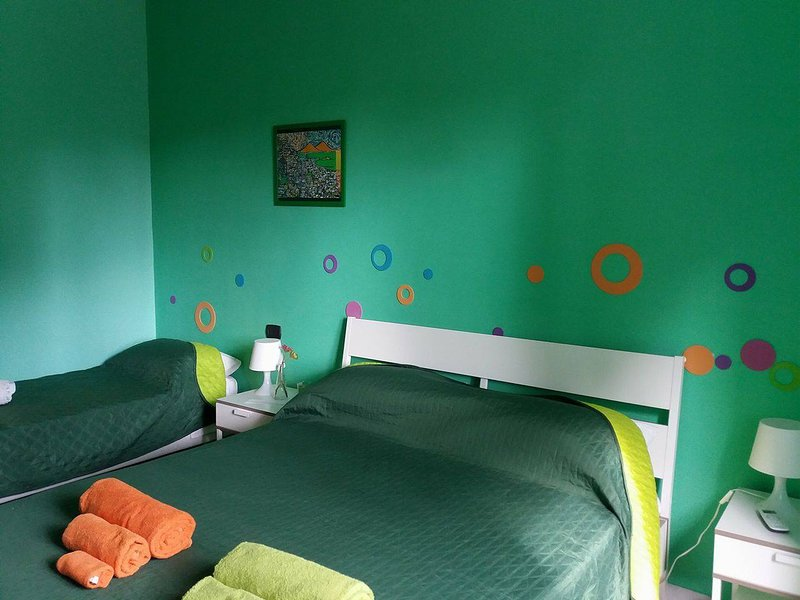 B&B Napoli Leggendaria - Camera 'Terra mia', holiday rental in Marano di Napoli