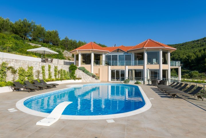 Villa Grande Korcula – Large luxury villa on the beach near Vela Luka, Korcula, holiday rental in Blato