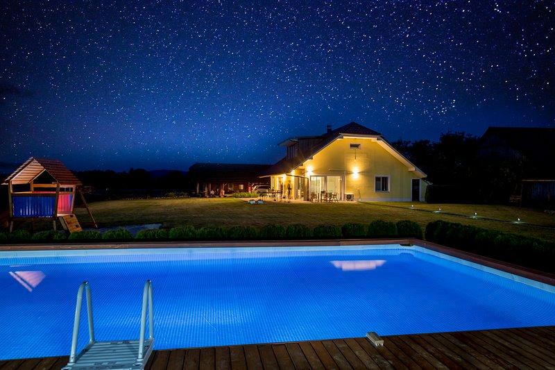 Residence ANA, vacation rental in Metlika