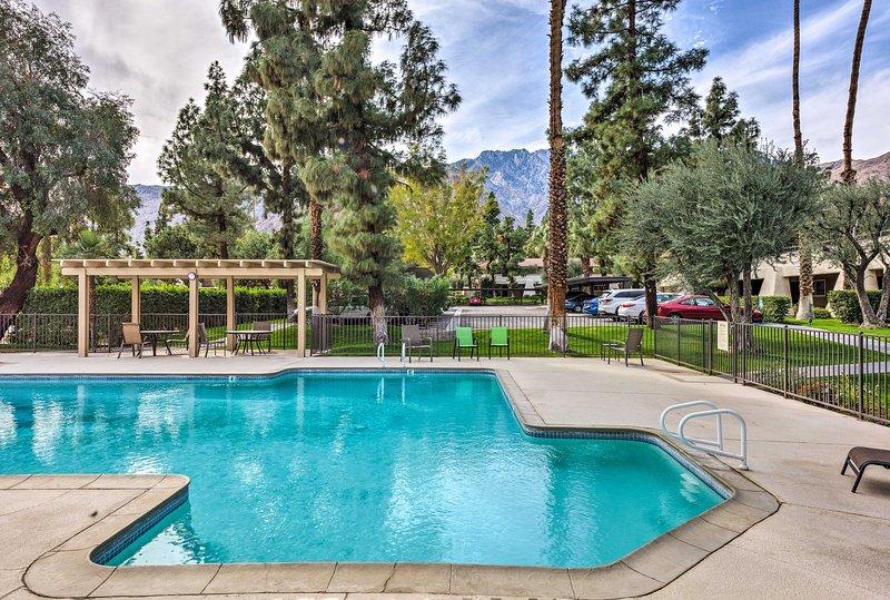 Resort Apt in Heart of Palm Springs w/Pools+Tennis, holiday rental in Palm Springs