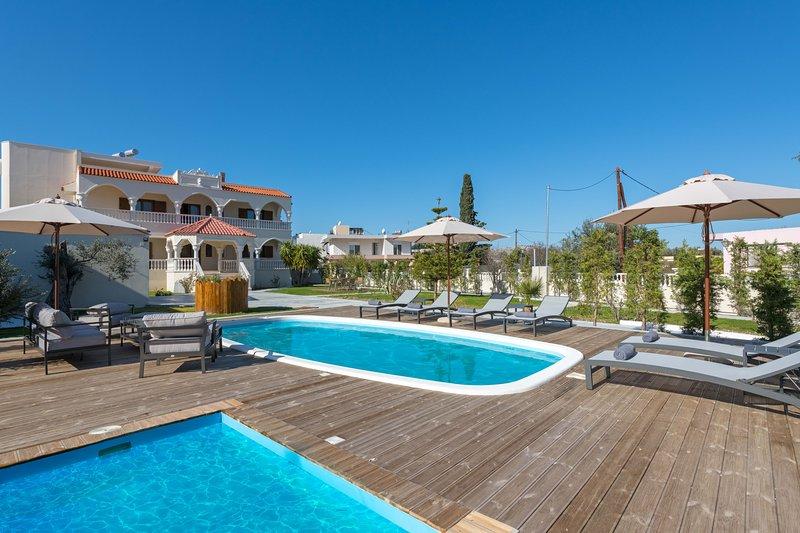 Evelyn Villa, holiday rental in Archangelos