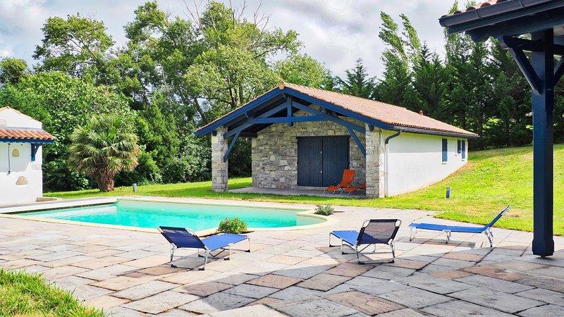 Belle Hacienda, Vue Mer, Plage 5 mins à Pied, Piscine, Wifi, holiday rental in Saint-Jean-de-Luz