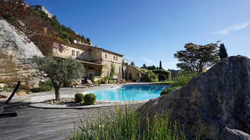 Le Dernier Chateau - Architect's Stone Villa & Pool in Picturesque Les Baux-de-P, holiday rental in Les Baux de Provence