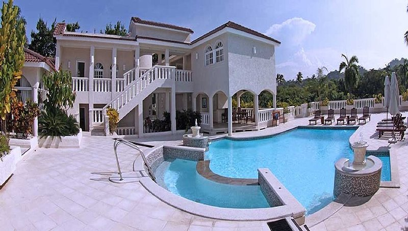 Private Pool with two story veranda? Enjoy breakfast served poolside daily upon request!