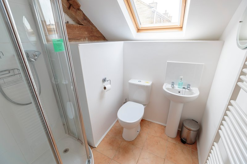 Double Bedroom ensuite - toilet, washbasin and showe