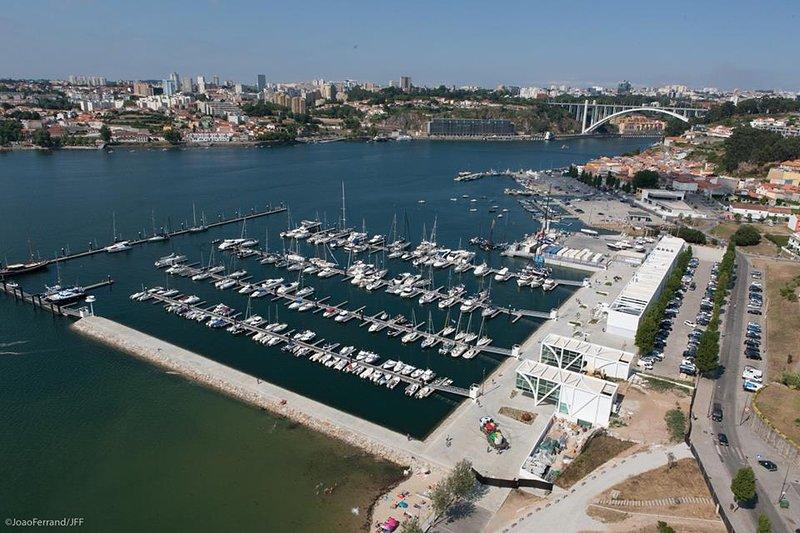 Goldensea Douro Marina - Douro River & Porto Wine Cellars, Ferienwohnung in Vila Nova de Gaia