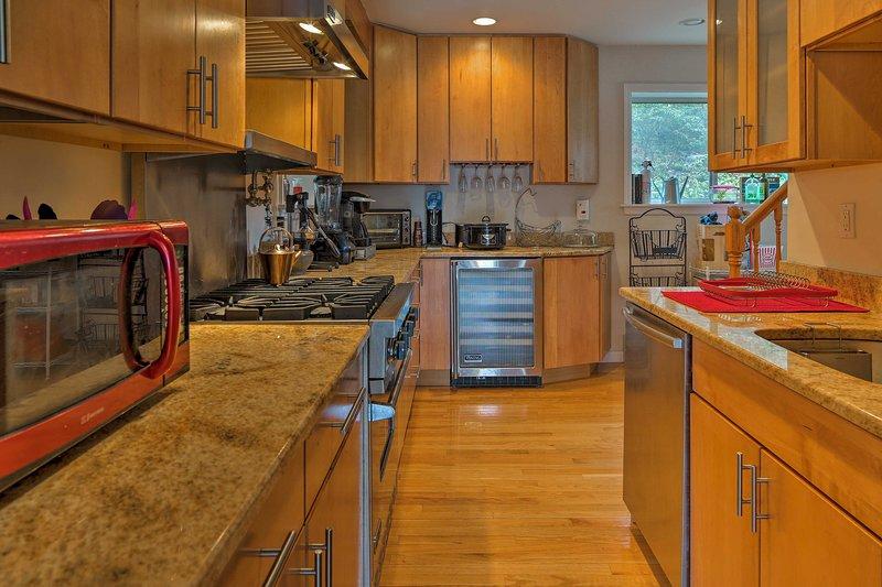 Los electrodomésticos de acero inoxidable hacen que cocinar en casa sea más que agradable.