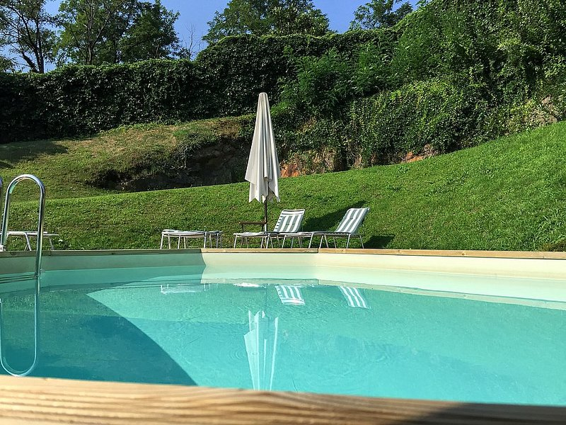 San Siro Villa Sleeps 8 with Pool and Air Con - 5229090, aluguéis de temporada em Santa Maria di San Siro