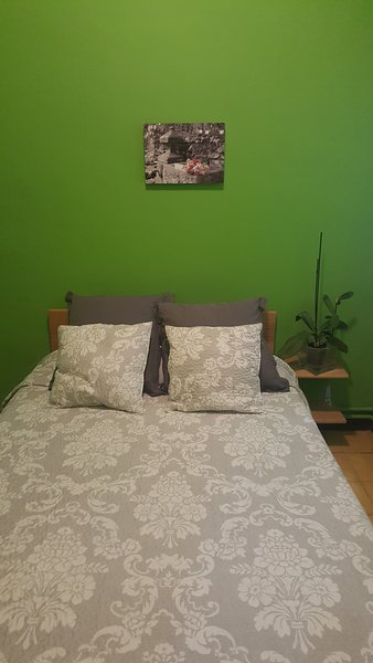 1. Peaceful and quiet bedroom with double 1.35