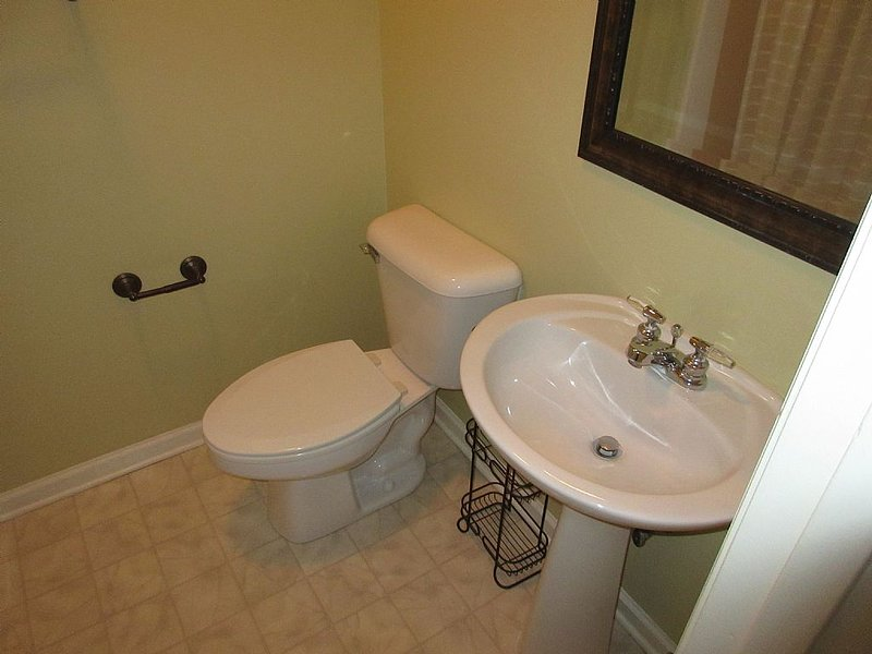 bathroom 3 - private to bedroom 3