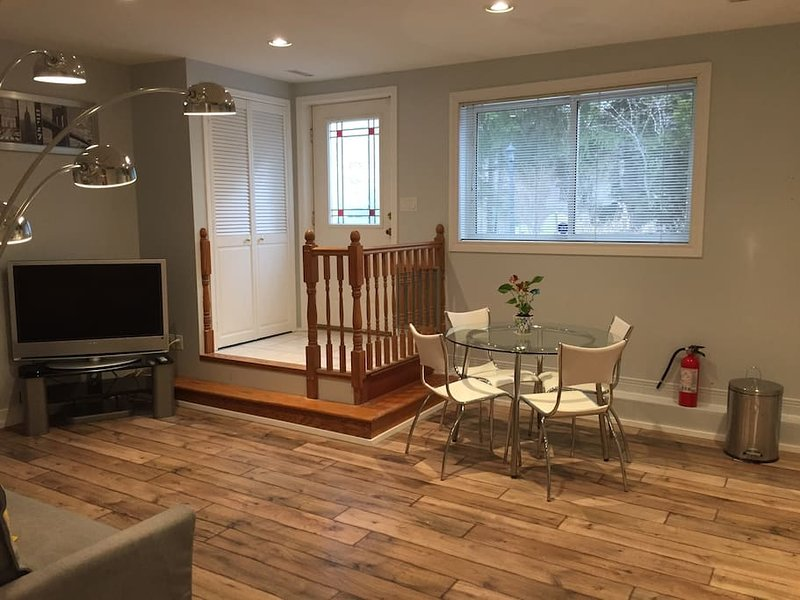 updated 2019 modern one bedroom apartment with parking holiday rh tripadvisor ca