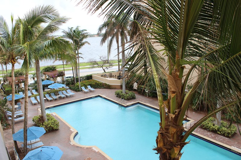 west palm beach  fl condo for rent   intracoastal views