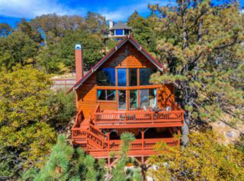 Stunning Lake View House, vacation rental in Lake Arrowhead