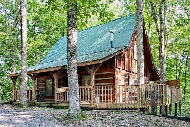 A Cozy Den Gatlinburg Cabin Rental