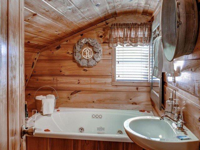 Rotolarsi nel fieno vasca idromassaggio per due