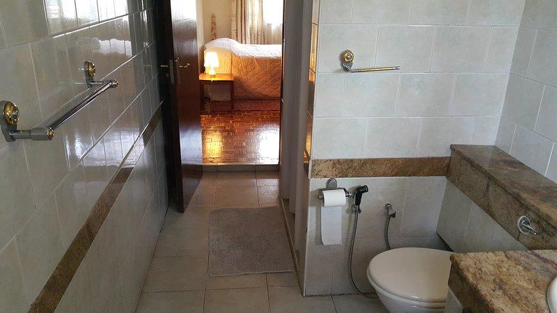 Private Ensuite Room Riverside Drive, holiday rental in Nairobi Region