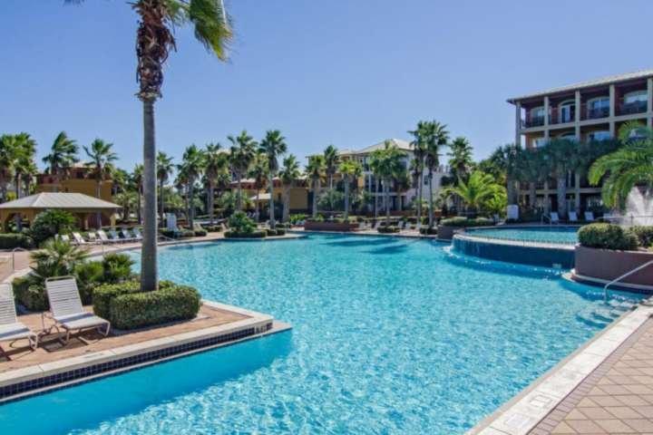 Large resort style community pool