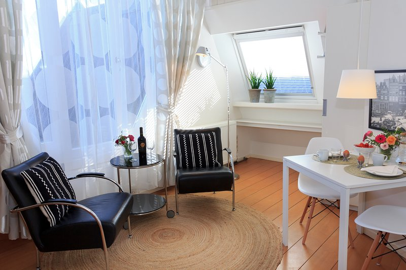 Apartments Waterland Waterfront room with harboursight, holiday rental in Volendam
