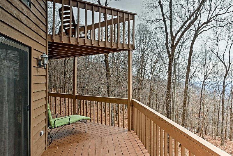 Godetevi la vista di Stone Mountain dai balconi cortile privato!